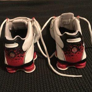Nike Shox shoes. Men's 6.5 or women's 8